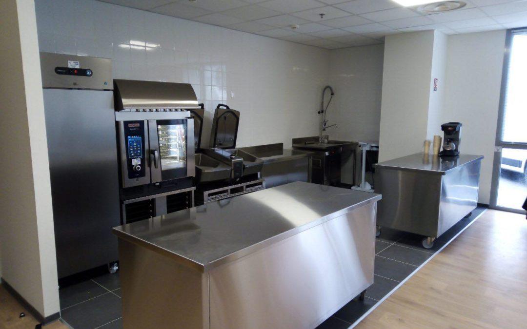 Installation d'une cuisine de démonstration